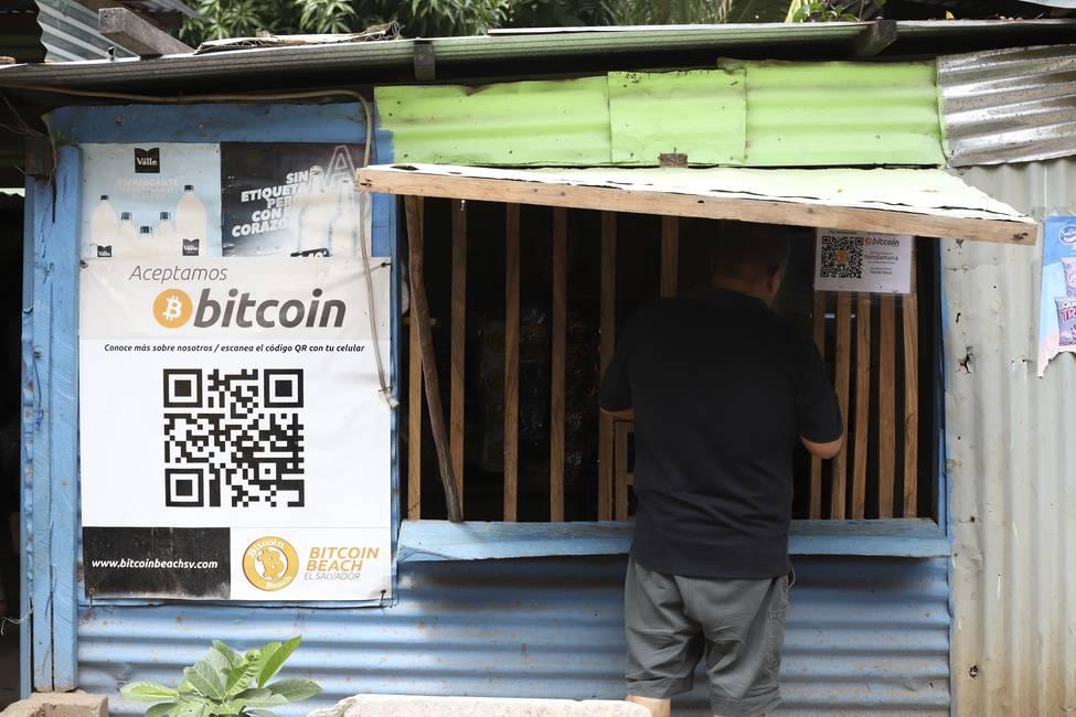 La arriesgada apuesta de Nayib Bukele por el bitcoin