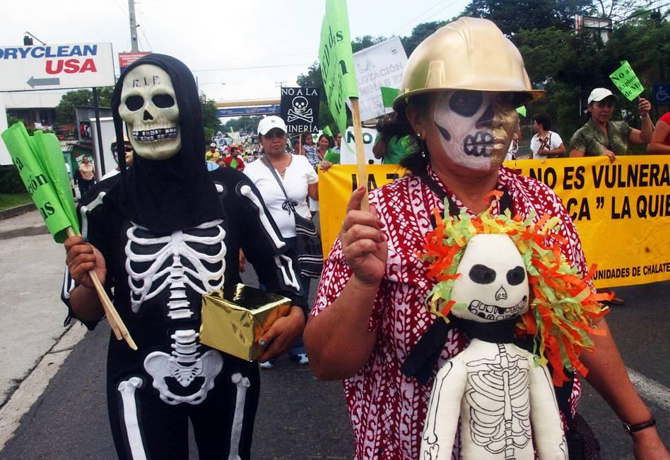 Adiós, extractivistas  Entrevista a Edgardo Mira