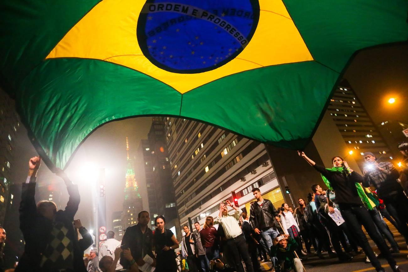 Junho de 2013… dois anos depois  Polarização, impactos e reconfiguração do ativismo no Brasil