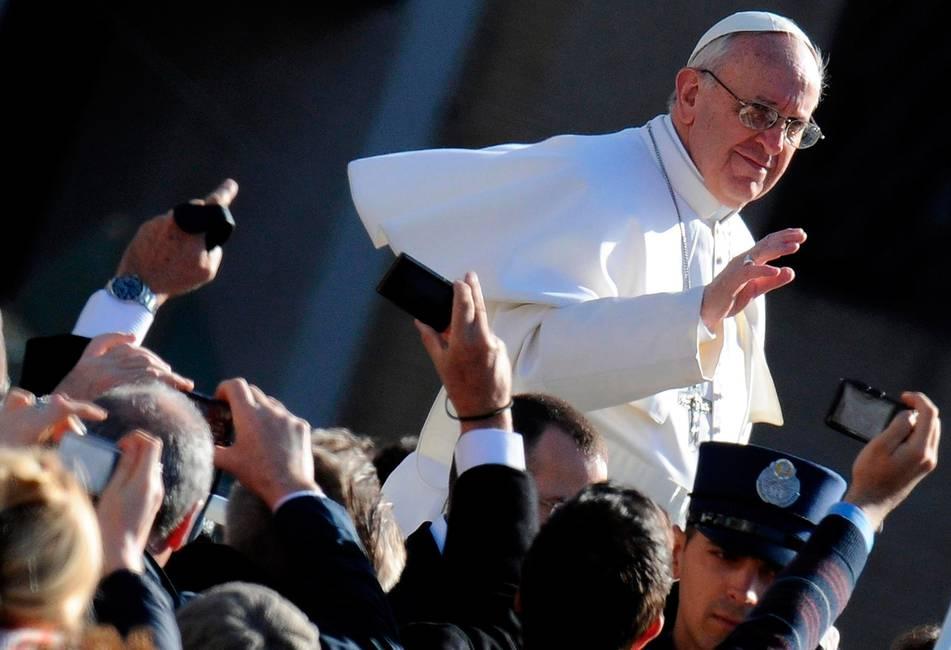 De Bergoglio a Francisco. Legitimidad y carisma en la crisis de la Iglesia