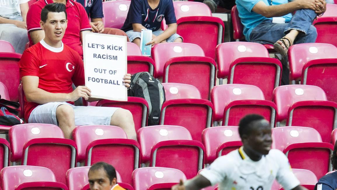 Fútbol, xenofobia, racismo, discriminación y algunas manchas más del tigre