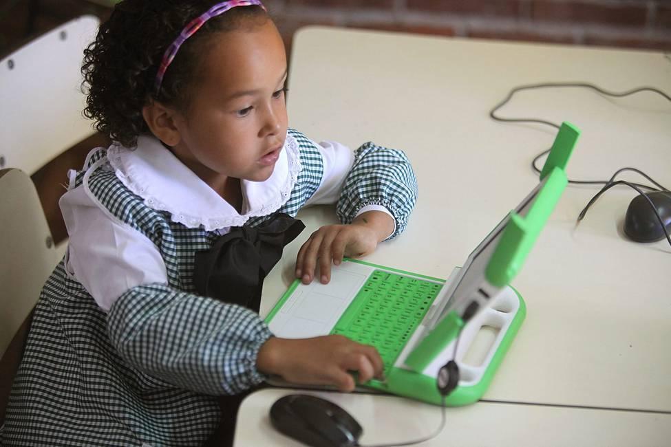 ¿Qué es la revolución digital?  Entrevista a Adrián Peláez
