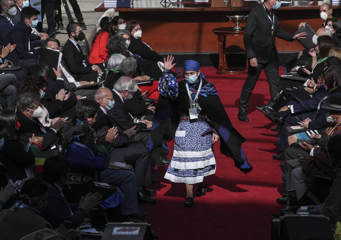 El proceso constituyente chileno se queda sin héroes