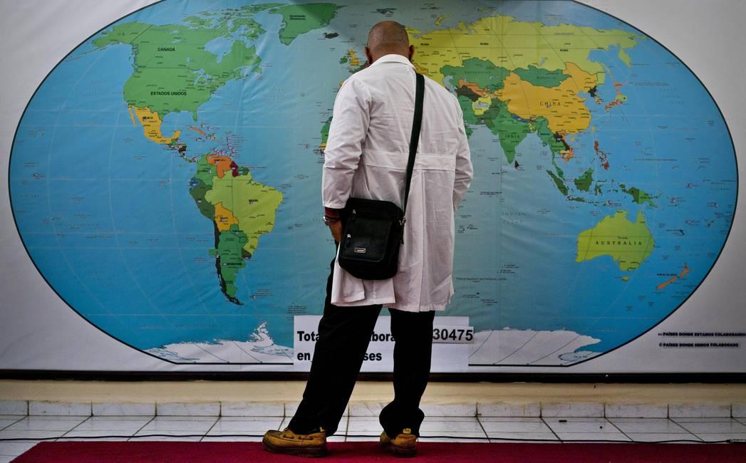 Los médicos cubanos en el exterior  Apariencia y realidad