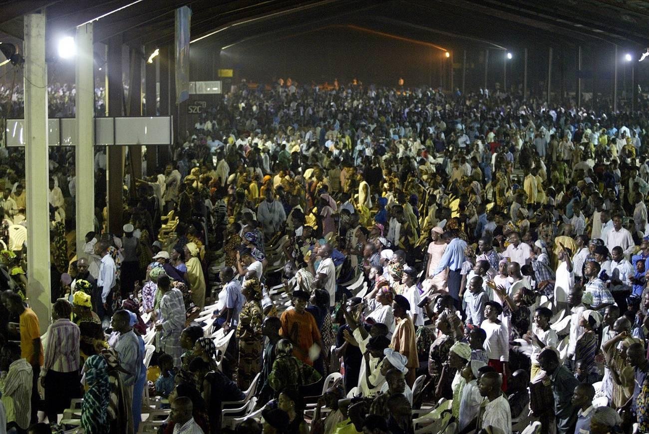 Comer, rezar, vivir  Las megaiglesias de Nigeria construyen sus propias ciudades