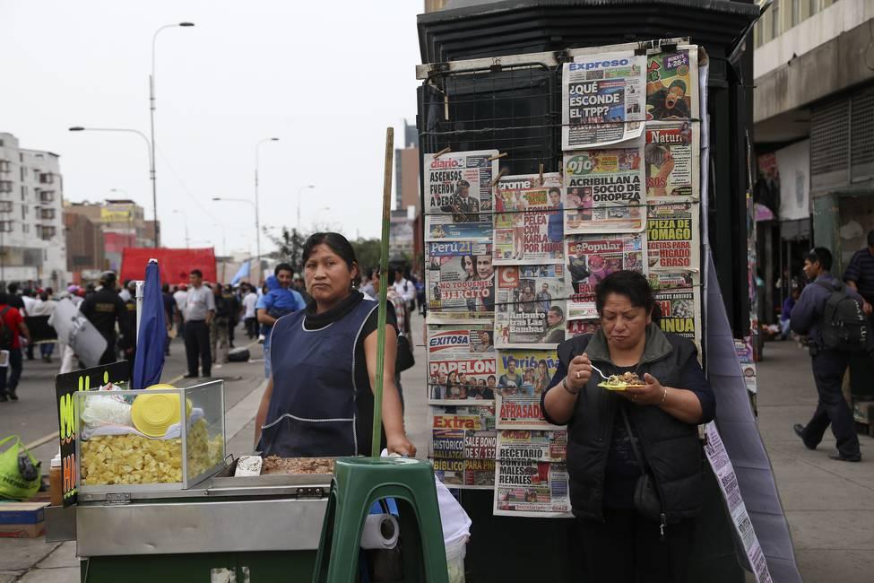 Lo bueno, lo malo y lo cholo Postales sobre el racismo desde el Perú (2017-2019)
