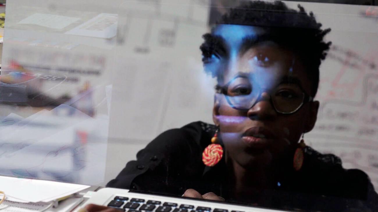 Inteligencia artificial y sesgos algorítmicos  ¿Por qué deberían importarnos?