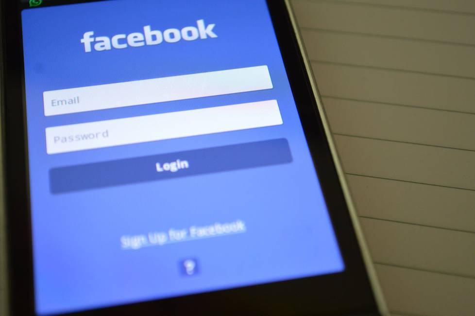 Facebook a luz de Cambridge Analytica: ni errores, ni excesos  Hacia una desmitificación de la red social