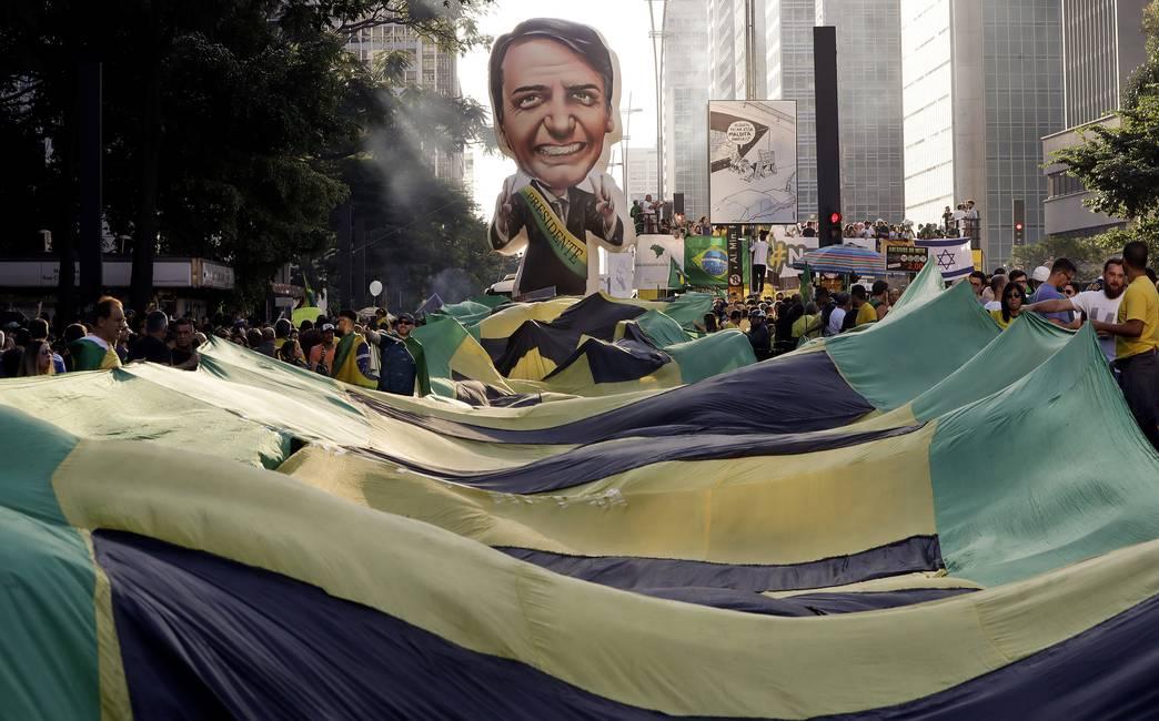 Democracia, intereses y estatus en América Latina