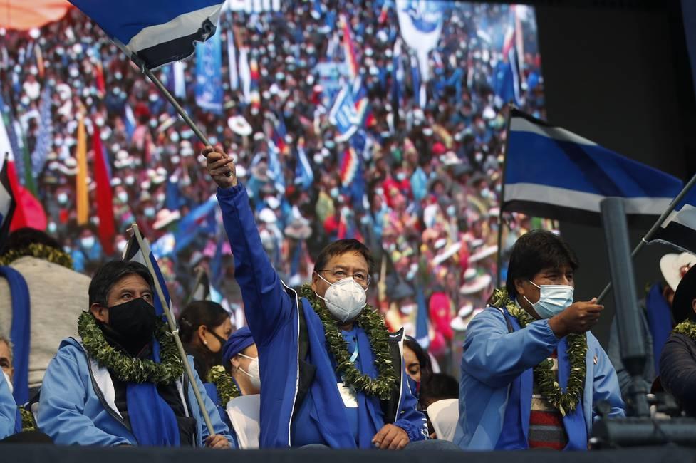 La «redención» del MAS y el mal momento de la oposición en Bolivia