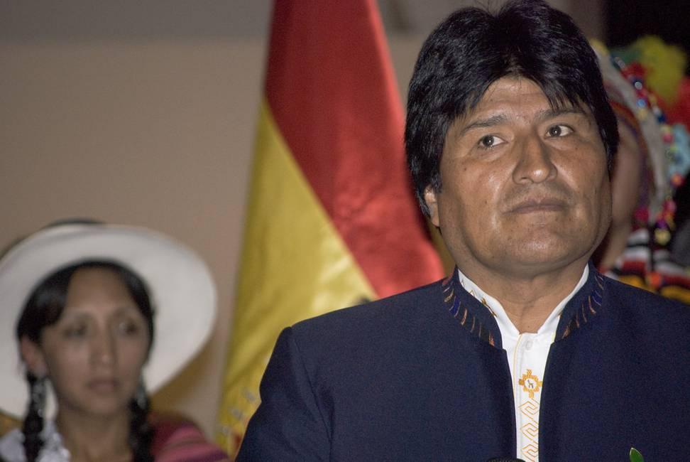 Evo Morales se libera de su «entorno» y acicala al gobierno para lograr la reelección