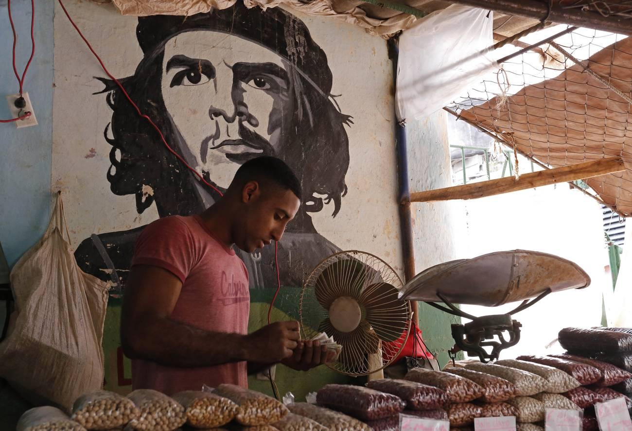 El «día cero» de la economía cubana