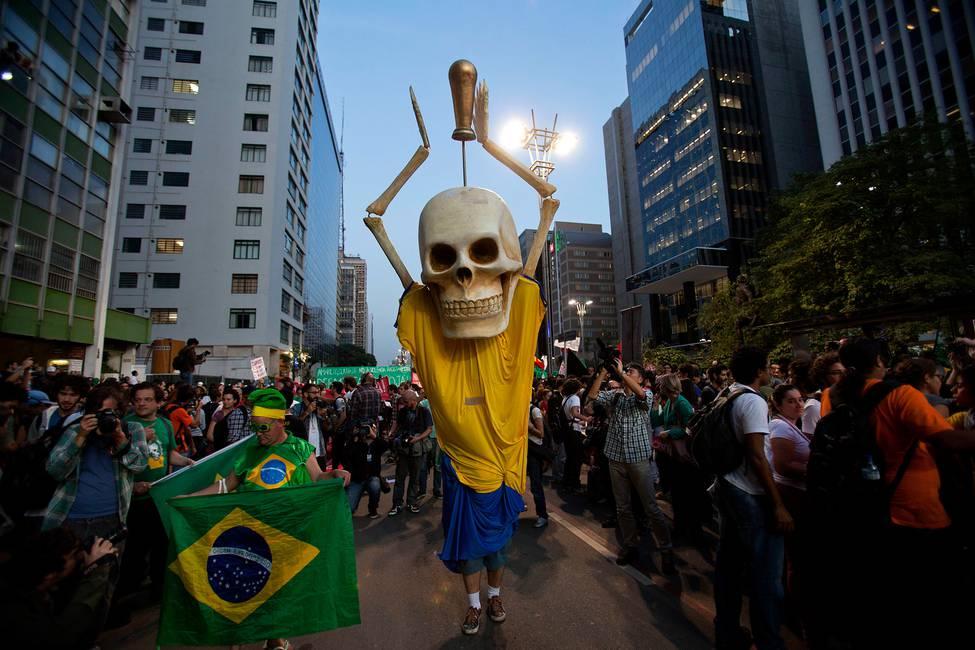 Encrucijadas brasileñas: entre protestas, procesos y elecciones