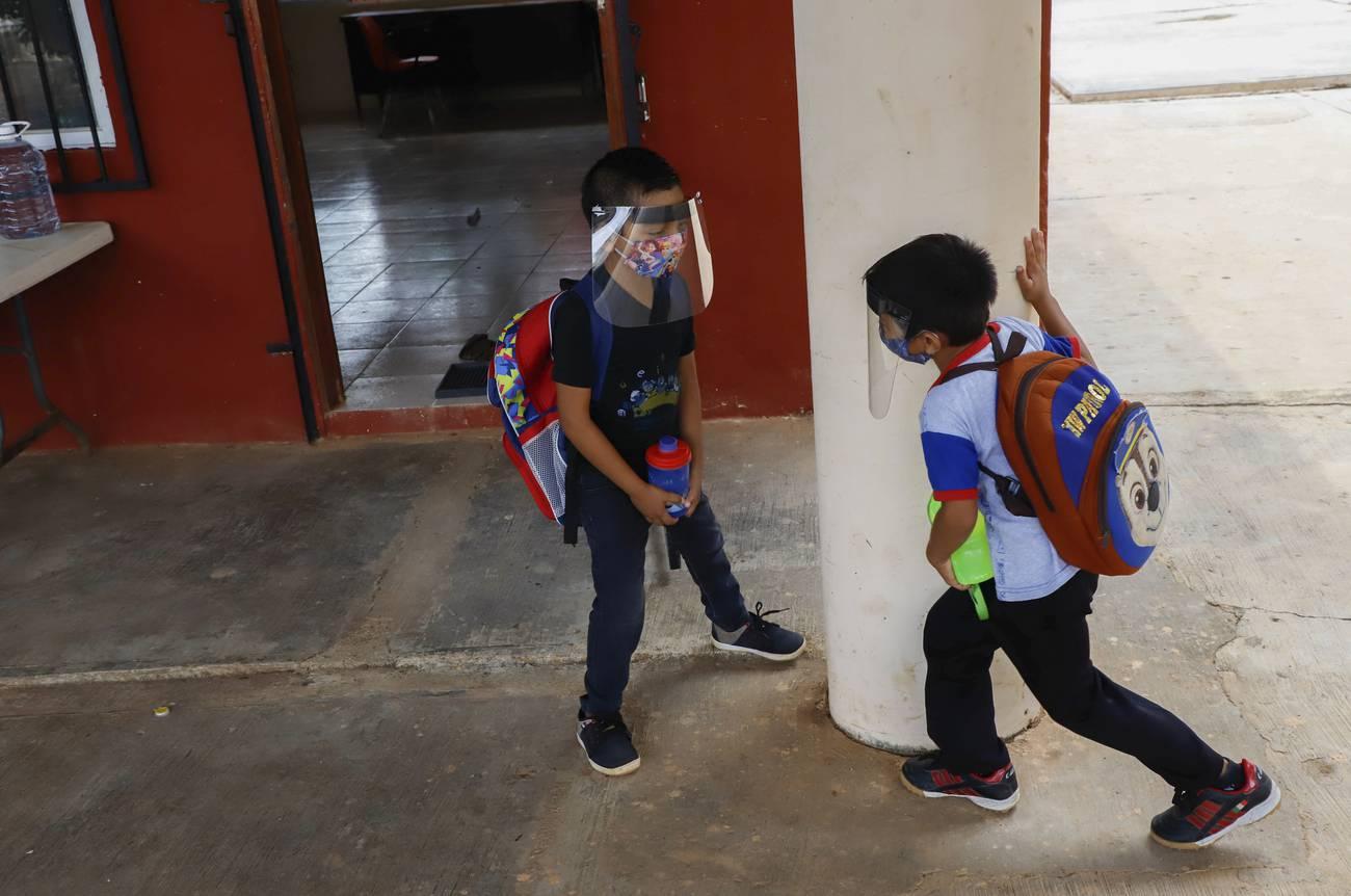 Escuelas en tiempos alterados  Tecnologías, pedagogías y desigualdades