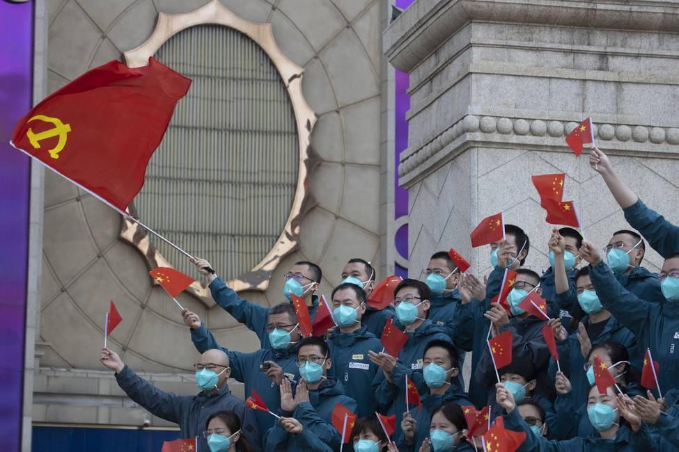 Red Mirror: ¿qué futuro se escribe en China?  Entrevista a Simone Pieranni