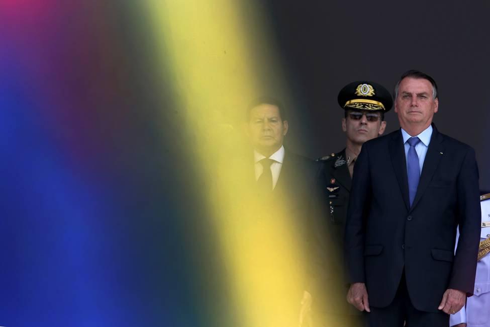 Las relaciones peligrosas de Jair Bolsonaro