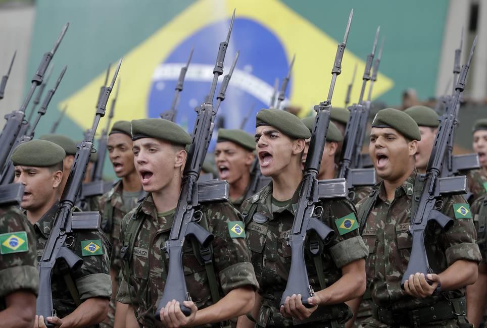 Los militares, Bolsonaro y la democracia brasileña