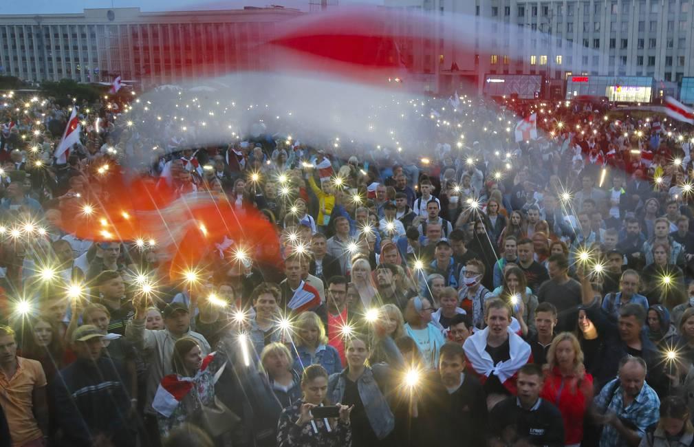 La izquierda frente a la rebelión bielorrusa  Entrevista a Ksenia Kunitskaya y Vitaly Shkurin