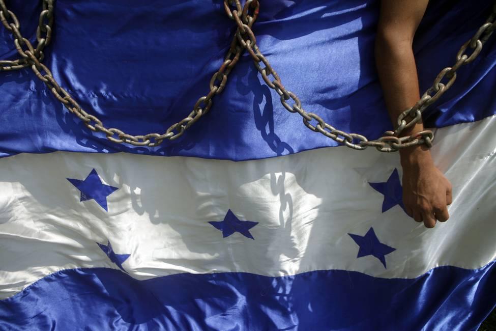 Honduras: entre la corrupción y el fraude  Entrevista a Hugo Noé Pino